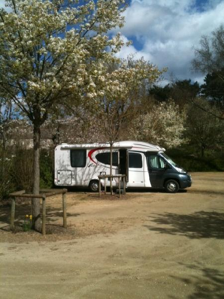 Aire camping-car à Belle-Isle-en-Terre (22810) - Photo 1